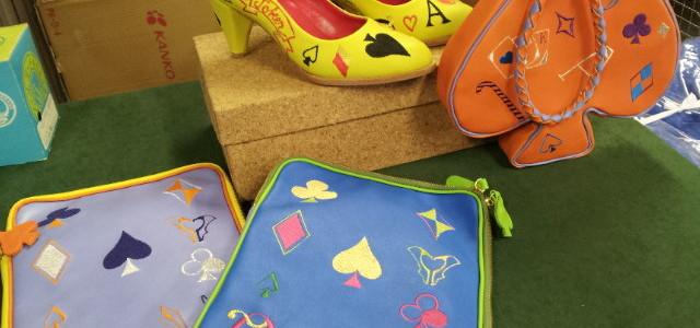 バッグやヒール(靴)など変わった素材・アイテムにも刺繍!